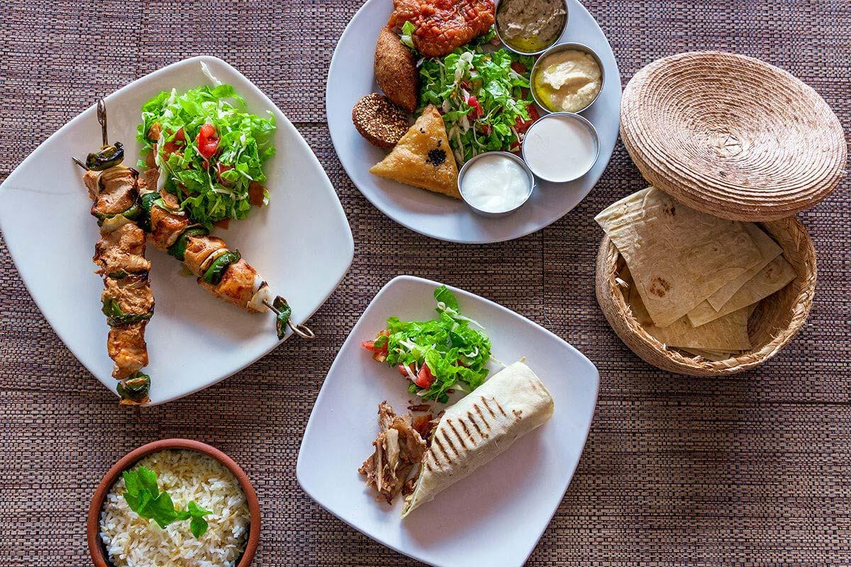 Shish Taouk (Brochetas de Pollo Asadas con Pimiento y Cebolla)