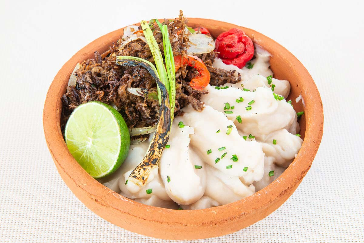 Fried beef (200g) with mashed malanga