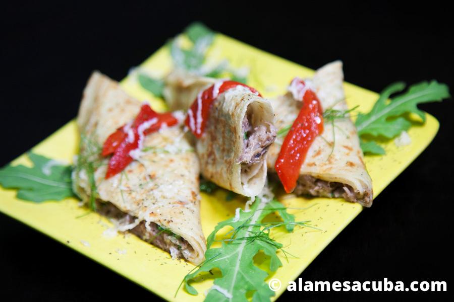 Fusiona el sabor de los crepes con los sabores cubanos de cerdo estofado, rúcala, piña y un ingrediente secreto que adorarás descubrir.